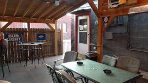 Smoker Hut at Twin City Tavern